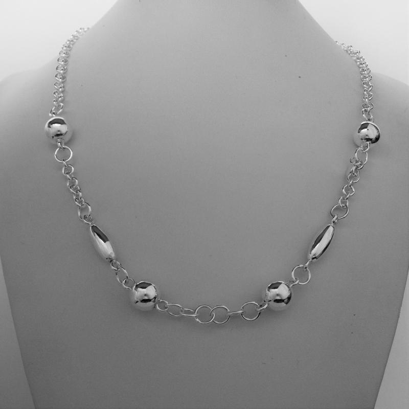 Sterling silver necklace with bead