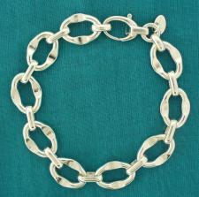 Women's oval link bracelet in sterling silver