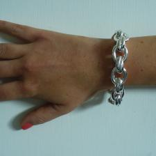 Women's silver bracelet with oval link