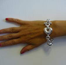 Sterling silver bracelet with large heart 26mm.