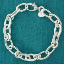 Women's link bracelet in sterling silver.