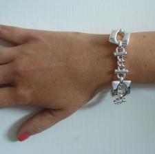 Sterling silver square link bracelet 10,5mm. Curb link 6mm.