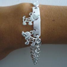 Handmade silver bracelet with dog, 8mm.