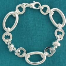Sterling silver bracelet. Women's ''ufo'' & oval link chain bracelet.