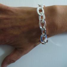 Oval flat link bracelet in sterling silver