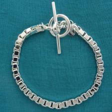 Bracciale maglia Veneziana squadrata diamantata. Larghezza 4,7mm. CHIUSURA T-BAR.