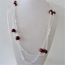 Collana in argento 925, sfere in diaspro rosso ed esagoni traforati. Lunghezza 120 cm.