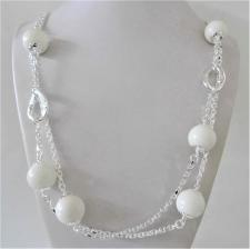 Collana in argento 925, sfere in agata bianca 16mm. Catena a maglia forzatina e maglie ovali text...