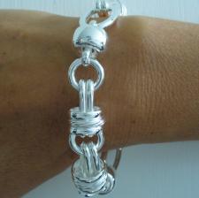 Bracciali artigianali in argento.