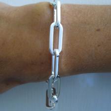 Bracciale in argento 925 massiccio, maglia allungata, filo sezione quadrata grande.